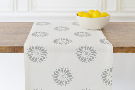 Vintage Floral Blossom Self Launch Table runners